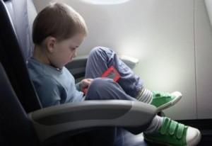 С деца в самолет от 2 до 12 години
